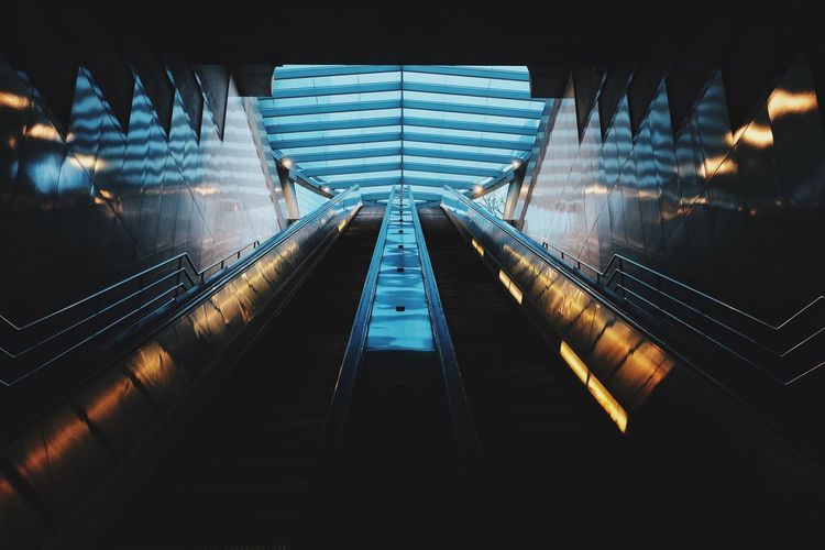 Illuminated escalator