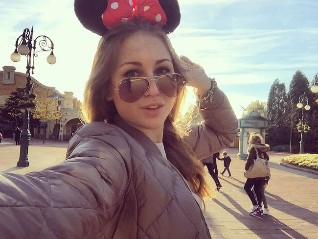 Hello World That's Me Disneyland Holidays Selfportrait Enjoying Life 🐭🎀💞