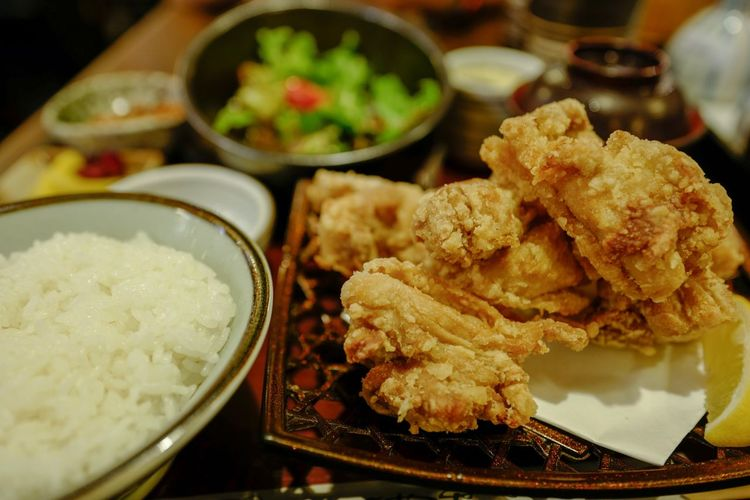 deep fried chicken 唐揚げ Japanese Food Discoverhongkong Food Food And Drink Ready-to-eat Freshness Plate Indoors  Still Life Asian Food Close-up Serving Size Wellbeing Focus On Foreground Fried Healthy Eating No People Bowl Meat Indulgence Table Meal