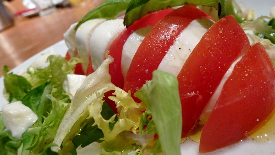 Close-up Food Freshness Healthy Healthy Eating Healthy Food Indulgence Meal Mozarella No People Ready-to-eat Salad Served Serving Size Still Life Tomato Mozzarella Tomatoes Vegetable Salad