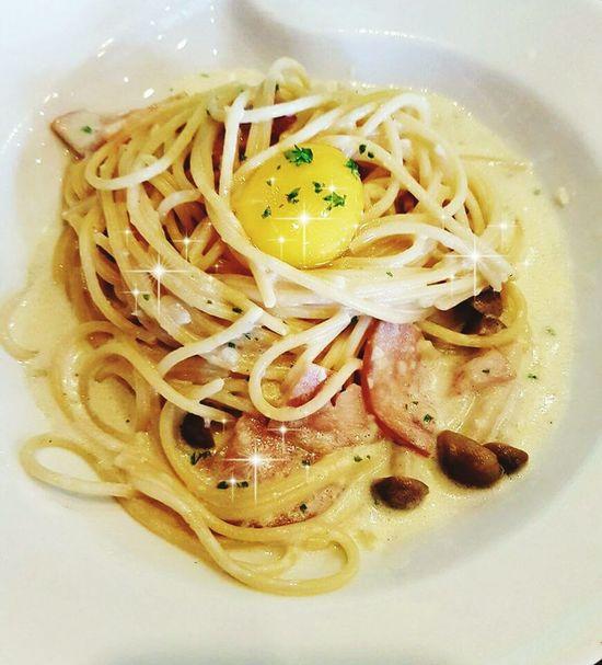 Food Ready-to-eat Plate Egg Yolk Spagetti Carbonara White Sauce Ham Yellow