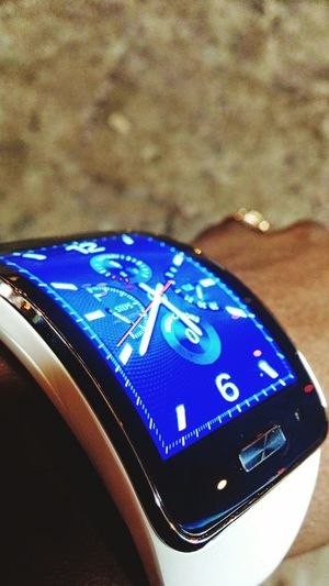 Check This Out Samsung Gear S Like A Boss Awesome Beauty