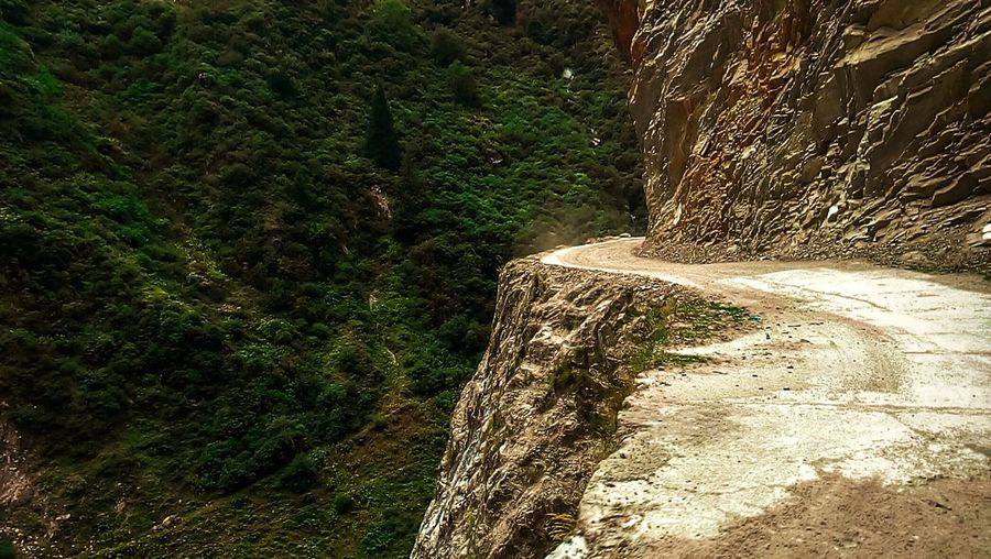 The way to Badrinath Beautiful Views Thriller Drive
