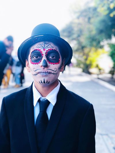 EyeEm Selects Portrait Suit One Person Headshot Business Looking At Camera Men Well-dressed Street Mask Menswear