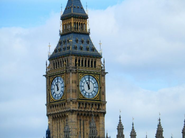 Elizabeth Tower AKA Big Ben Tourists Historical Sights Tall - High Hello World Eye4photography  EyeEm Best Shots EyeEm Gallery Historical Building No People Famous Place Capital Cities  International Landmark Travel Destinations Travel Tourism British Culture Outdoors Building Exterior Historical Place Architecture Clock Tower Clock Time Cloud - Sky Day