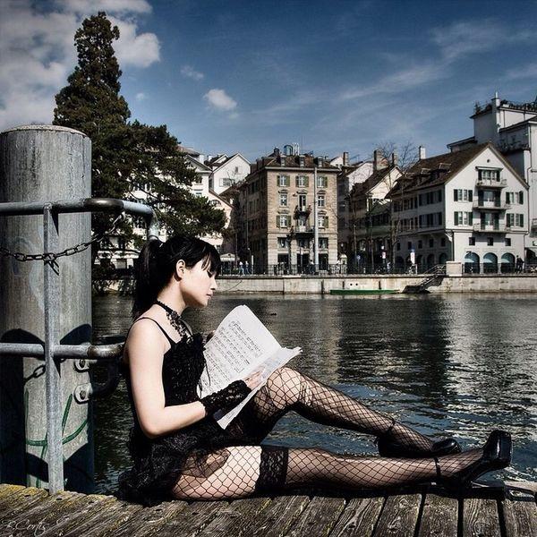 Girl Zürich Gothic © b.cortis www.cortis.info