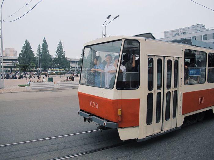 people in North Korea 北朝鲜 Pyongyang Northkorea 有轨电车 平壤 2015