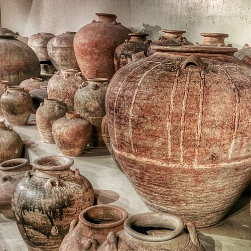 Amphoras Felipinae: pre-columbian terracotta jars from the Philippines at the National Museum of the Philippines. Amphoras Jars  Terracotta Philippines museums nexus5