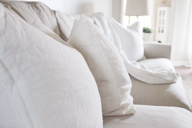 Home Interior Indoors  Pillow White Color No People Comfortable Home Showcase Interior Day Close-up Cozy At Home Sofa Interior Photography Home Natural Light Textile Interior Design Blanket Living Room