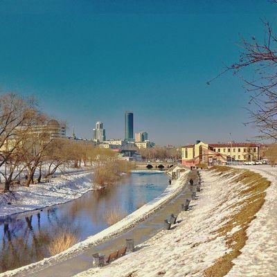 Екатеринбург весна IPhoneography Iphoneonly Kostasleko Lightboxr Iphoneartmobile