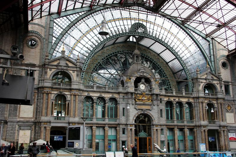 Centraal Station Antwerpen Canon 60d 18-135mm City Place Of Worship History Arch Ceiling Architecture Built Structure Architecture And Art Stained Glass