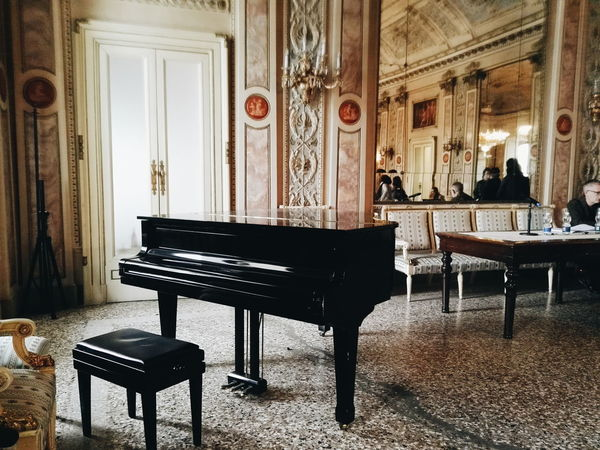 Piano Music Classical Music Arts Culture And Entertainment Old-fashioned Architecture Concert Hall  Baroque Style Performance Musical Instrument Indoors  Architecture And Art Still Life VSCO Vscofilm BestofEyeEm Mirror Shot Como Mirrorphoto Mirror Pic Teatro Lamps Chandelier FreshonEyeem