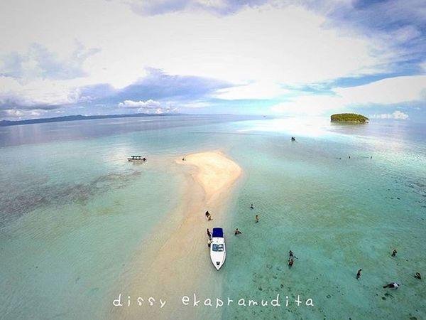 God must be smiling when creating raja ampat Rajaampat INDONESIA Papua 1000kata BeautifulIndonesia Indonesiaplayground Drone  Djiphantomindonesia Djiphantom Aerialphotography Instalike Instagram Instagood Instadaily Photooftheday Dronedaily Droneartwork