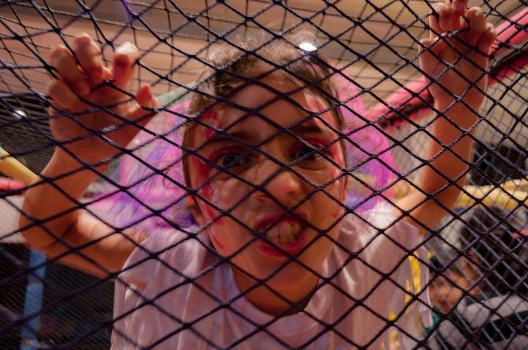 Amada enloquecida ❤ Amada Rock Miniña Pelotero Juega Teamo EyeEm Selects Holi Childhood Close-up First Eyeem Photo