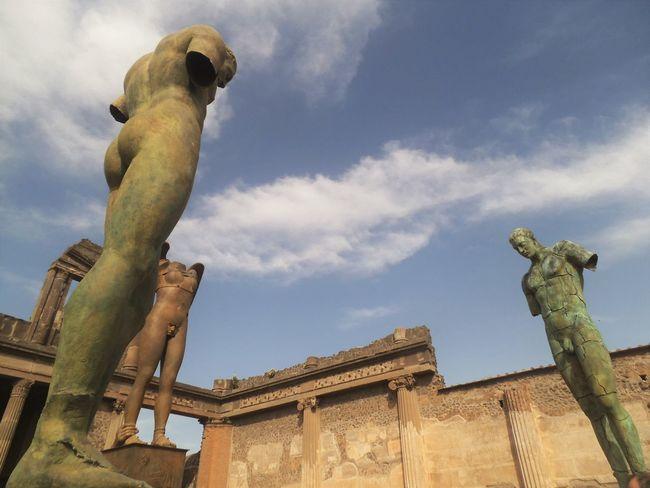 3-04-2016 Travel Pompeii  Statues Beauty Great Beauty